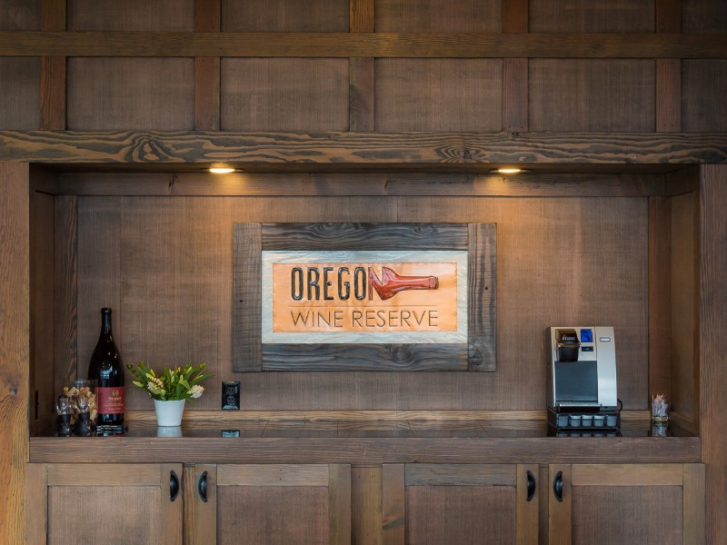 Oregon Wine Reserve Dry Bar