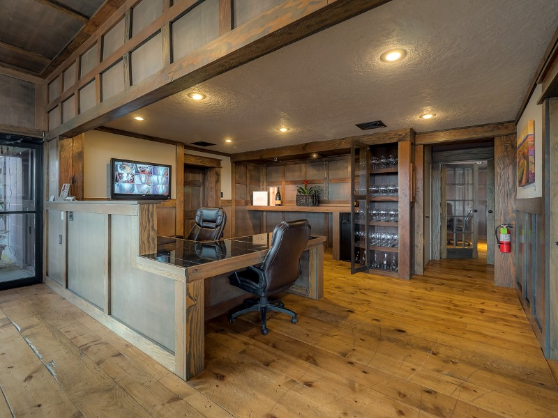 Oregon Wine Reserve Front Desk